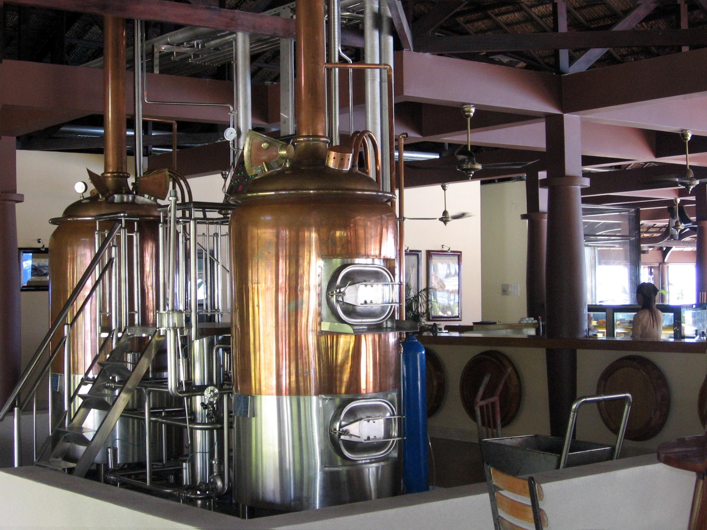 Thi công dây chuyền nấu bia cho Nhà hàng Biển Xanh